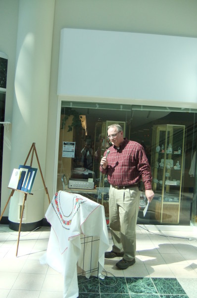 David Clark, Galleria Manager, sharing good wishes of Galleria owner, Werner Minshall