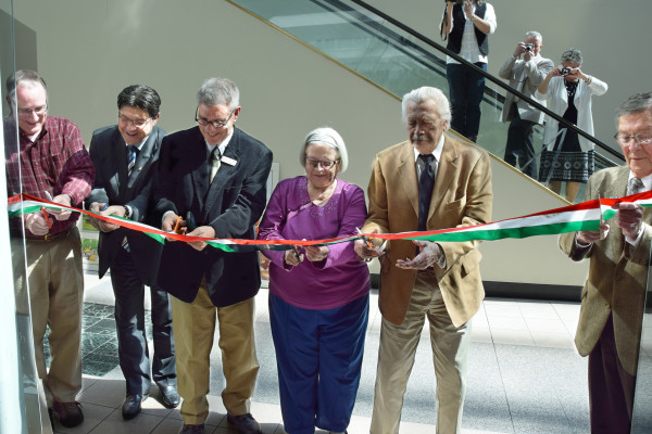 Ribbon Cutting, from the left: David Clark, Dr. Imre Szakács, Michael Patterson, Valeria Rátoni-Nagy, Otto Friedrich, Hon. George Voinovich